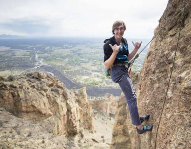 CLIMBER FALLS AT SMITH ROCK STATE PARK