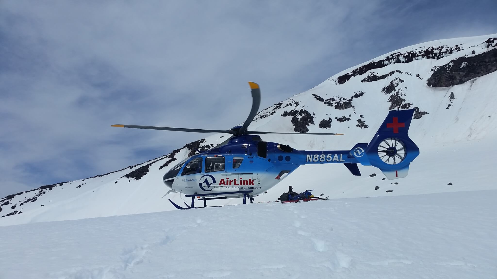INJURED SKIER RESCUED OFF SOUTH SISTER