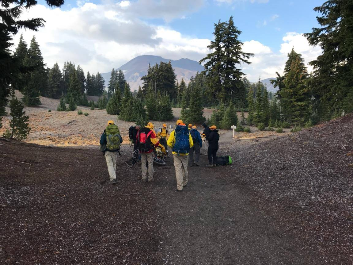 HIKER ASSISTED BY DSCO SAR VOLUNTEERS NEAR SOUTH SISTER