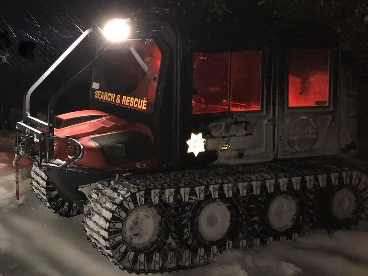 Deschutes County Sheriff's Office SAR Assists Stranded Motorists in Lake County