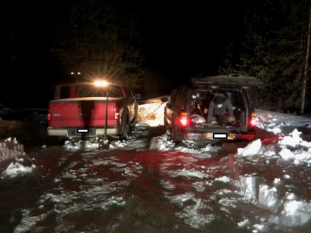 DCSO SEARCH AND RESCUE ASSISTS 7 STRANDED MOTORISTS ON CASCADE LAKES HIGHWAY
