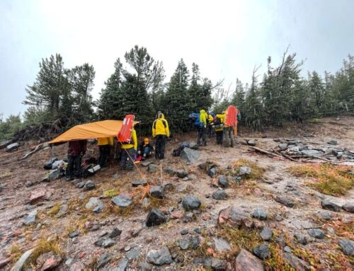 DESCHUTES COUNTY SHERIFF'S OFFICE SEARCH AND RESCUE ASSIST HIKERS NEAR CAMP LAKE